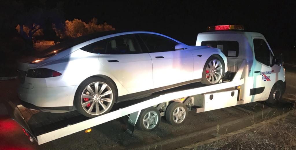 Model S : Intercepté par les gendarmes du Gard à 180 km/h