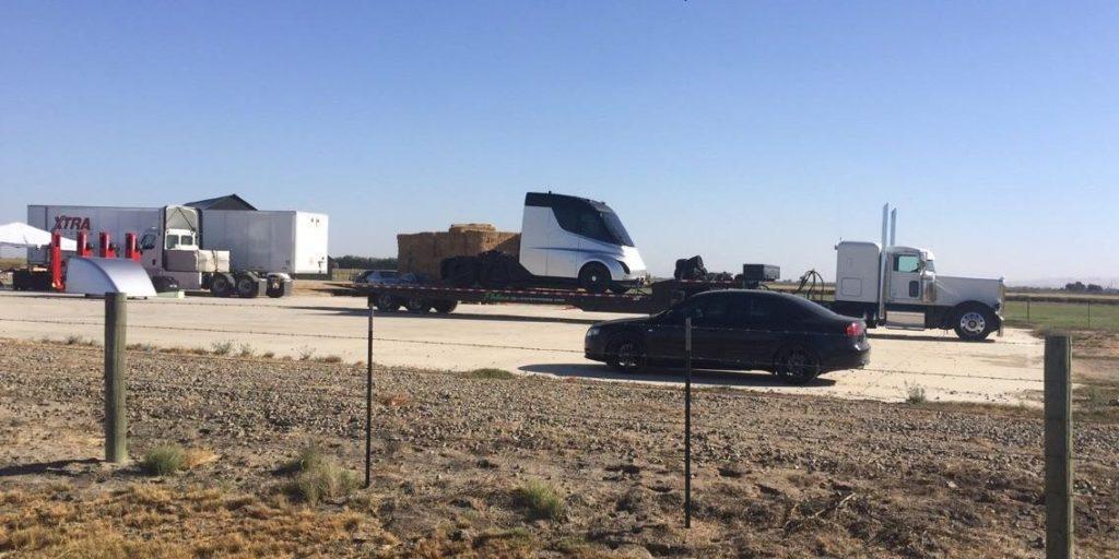 Le Tesla Semi photographié avant d'être dévoilé officiellement