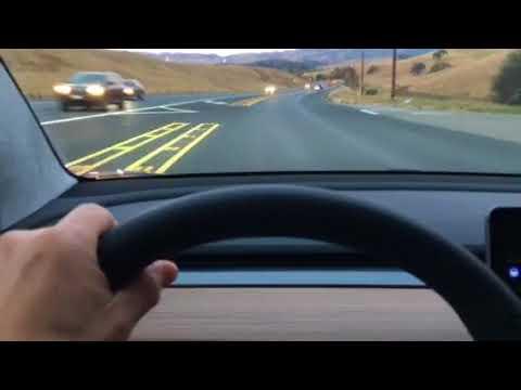 Autopilot du Model 3 : vidéo en situation de conduite