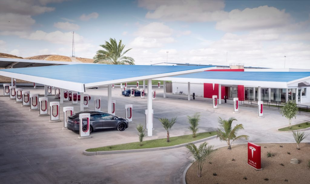 StationTesla Supercharger à Kettleman City en Californie