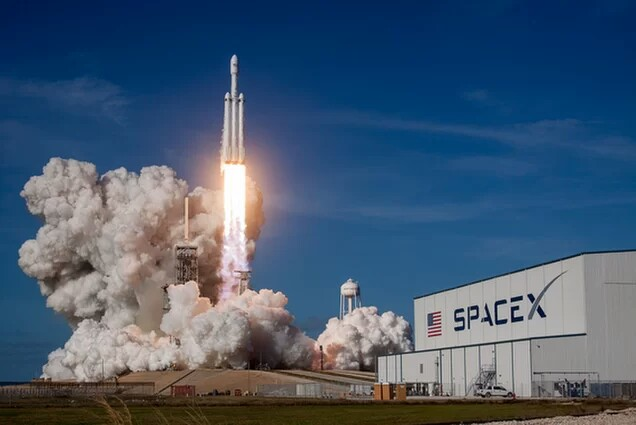 SpaceX : décollage reussi pour le Falcon Heavy