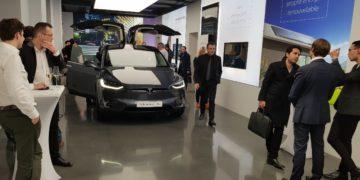 Inauguration du showroom Tesla à Paris