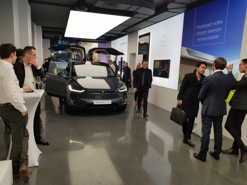 Inauguration du nouveau showroom Tesla dans Paris