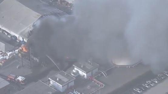 Tesla victime d'un incendie dans son site de Fremont