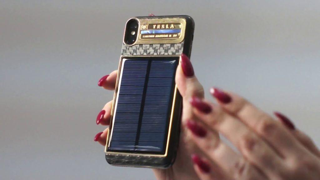 iPhone X Tesla solaire